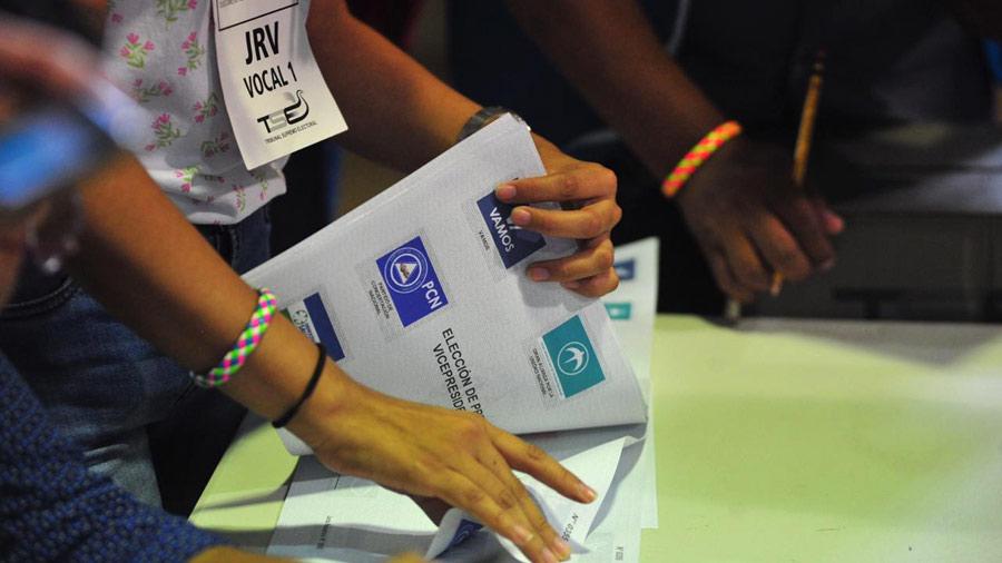 Analistas y diputados ven complicado legislar voto en el exterior para elegir a alcaldes