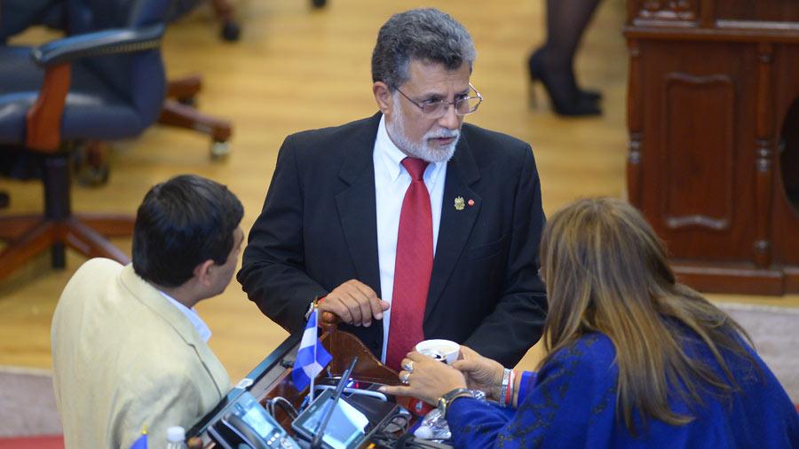 Hándal asegura que nadie está vetado en elección del FMLN