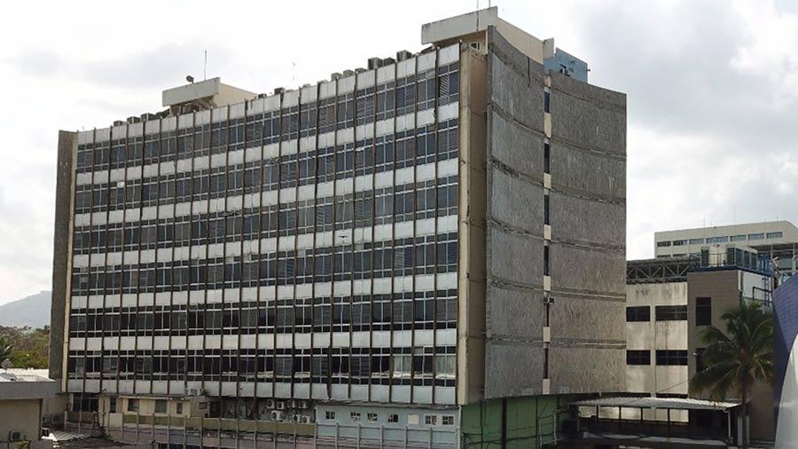 Especialista recomendó quitarle tres pisos a edificio de la Asamblea