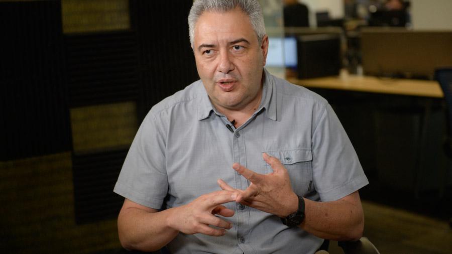 Ricardo Martínez: Debe haber un líder que guíe el debate interno en ARENA