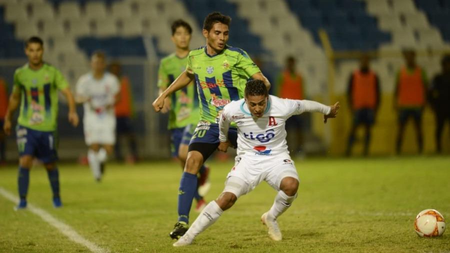 Santa Tecla venció al Alianza y jugará la final contra Audaz