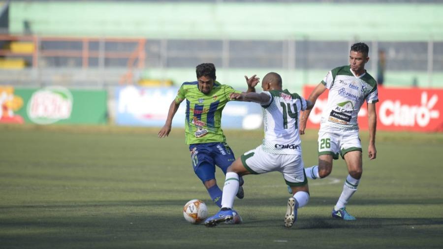 Santa Tecla logró su primera victoria en Las Delicias
