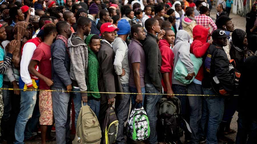 Africanos y asiáticos también invaden la frontera de Estados unidos